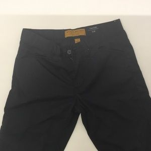 PRE-OWNED LIKE NEW STABLEFORD SIZE 32 SHORTS